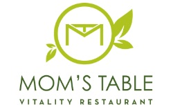 Momstable Logo